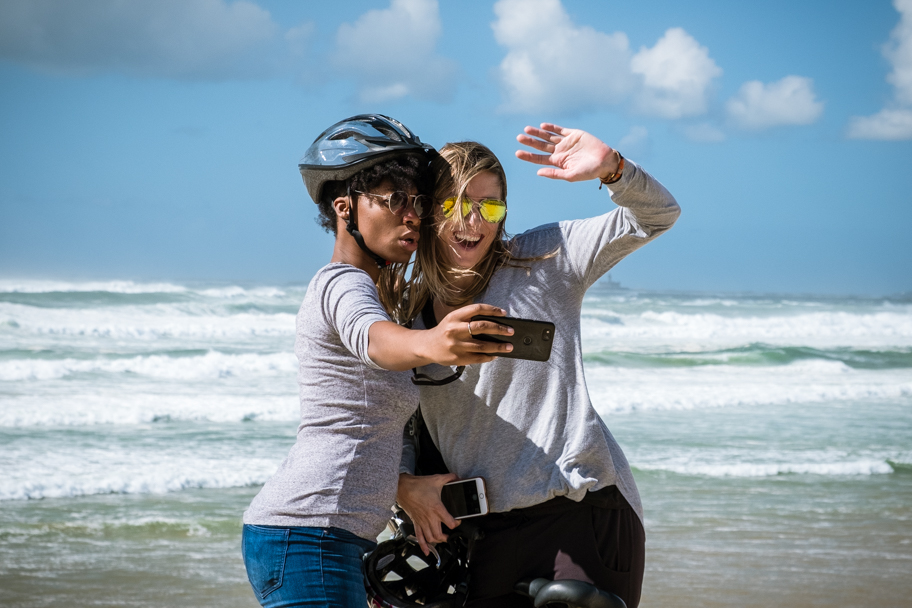 Selfies with Atlantic Ocean backdrop, Costa de Caparica, Portugal | Barbara Cameron | Food & Travel Photographer