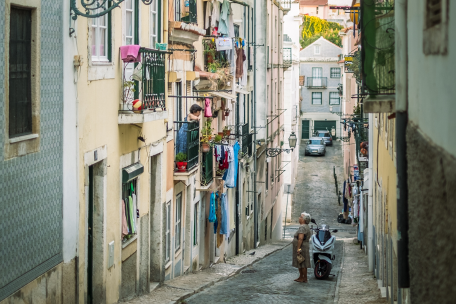 Portuguese Women in Lisbon, Portugal | Barbara Cameron | Food & Travel Photographer