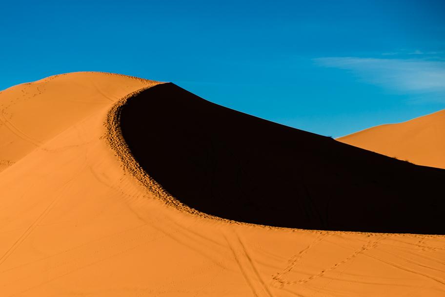 Sand dune in Erg Chebbi, Morocco | Barbara Cameron Pix | Food & Travel Photographer