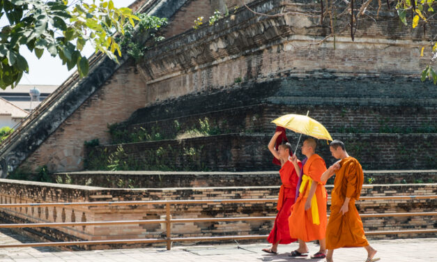 Remote Year: Temples, Monks and Ladyboys in Chiang Mai, Thailand