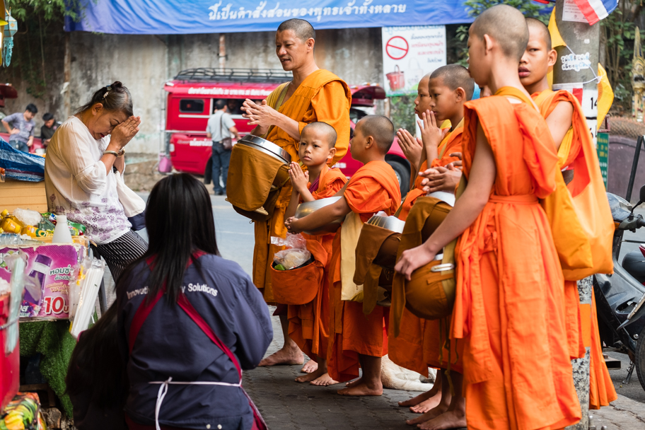 Buddhist alms-giving ritual with novices and elders, Chiang Mai, Thailand | Barbara Cameron Pix | Food & Travel Photographer