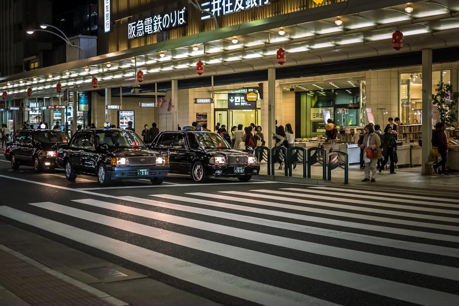 Shijo-dori street at night, Kyoto, Japan   Barbara Cameron Pix   Food & Travel Photographer